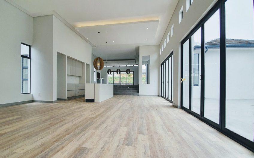 4 Bedroom Luxury Home – Clara Anna Fontein